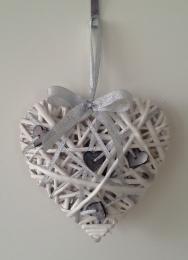Proutěné srdce-bílá - zvětšit obrázek